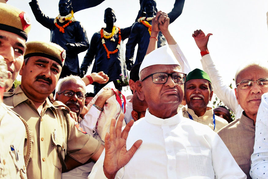 Anna Hazare Ends Fast After Six Days at Ramlila Maidan